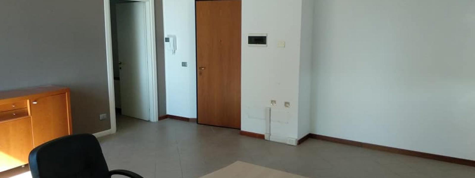 3 Stanze Stanze,1 BagnoBagni,Ufficio,2,1579